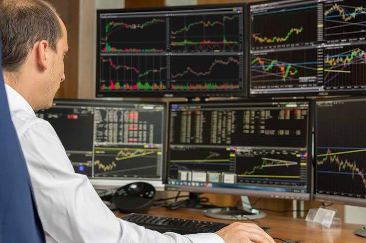 5 Brokerów z Najlepszymi Profesjonalnymi Platformami Inwestycyjnymi do Tradingu Online